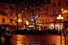 Paris : Place de la Contrescape la nuit / After rain (Pantchoa) Tags: christmas paris france fountain night reflections square lights nikon view place nikkor nuit afterrain d90 photodenuit placedelacontrescape contrescape 35mmf18g rememberthatmomentlevel1 rememberthatmomentlevel2