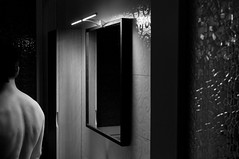 Giorno64 (Mauro Bettonte) Tags: light bw glass mirror back twilight bn dorso luce specchio schiena vetro penombra