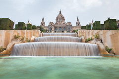 Museu Nacional D'Art de Catalunya (John_Kennan) Tags: barcelona motion blur water fountain waterfall spain catalonia symmetry catalunya catalan museunacionaldartdecatalunya museunacional