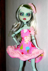 Frankie repaint-evhay (datumzinebeautifulmemories) Tags: cute monster doll sweet frankie crafty mattel popsicle dolll joanns matteltoys monsterhigh monsterhighdolls