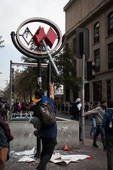 Metro (AriCaFoix) Tags: chile santiago students march riot student metro destruction protest demonstration protesta marcha estudiante manifestacin estudiantes encapuchados clashes encapuchado enfrentamientos destruccin calycanto