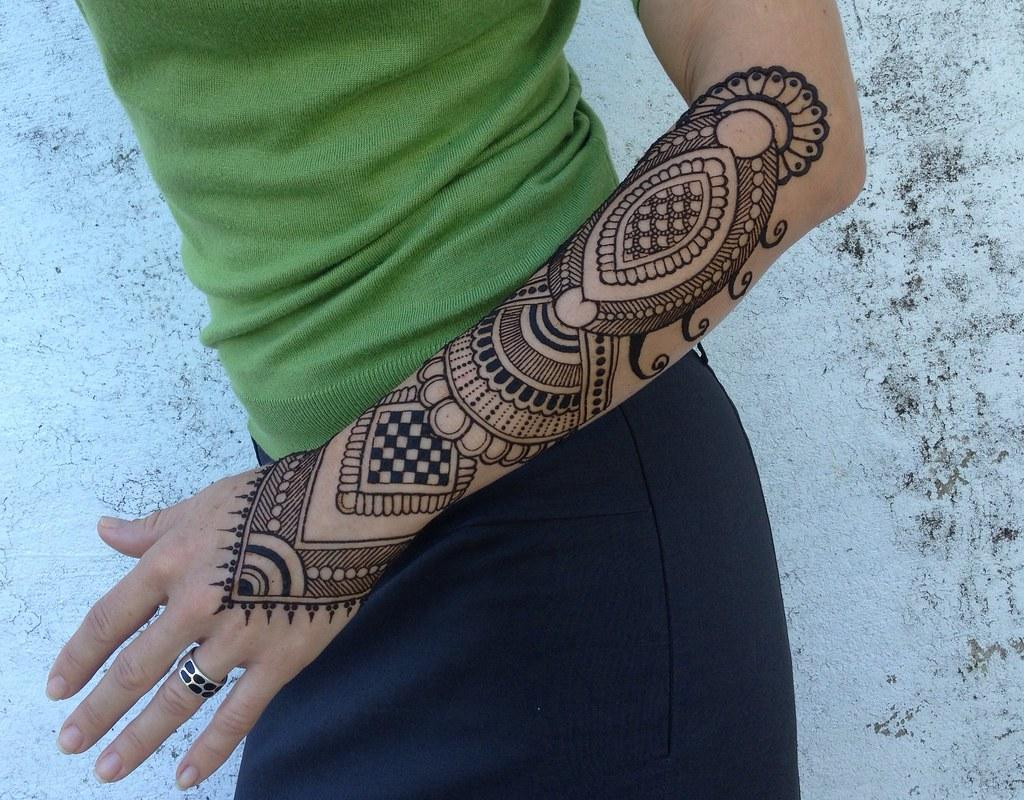 Mehndi Bunch On Arm : Whole arm henna makedes