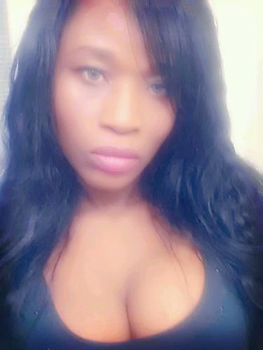 Mad Queen Sabine Mondestin Selfie