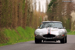 Jaguar Type E 3.8L FHC 1963 - Tour Auto 2013 - Thomin.X / Rivet.J-M (Pessou21000) Tags: auto cars car 2000 tour rally historic peter e legends type motor jaguar gt tao 228 1963 optic fhc 38l 2013 thomin