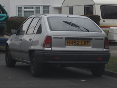 1991 VAUXHALL ASTRA LX (Yugo Lada) Tags: old colour silver photo may retro vehicle tax parked 1991 rare astra vauxhall lx carats h492lrf