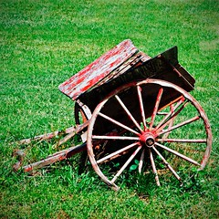 Farm Cart (redhorse5.0) Tags: farmcart wagonwheel farmimplement redcart wagon redhorse50 sonya850 dekalbpeachtreeairport chambleegeorgia 57thfightergrouprestaurant