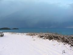 "Les ""Blancs"" Sablons... (Fab2brest) Tags: bretagne breizh leconquet finistre meretocan neige snow darksky darkclouds coastline contrast"