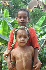 Papua New Guinea Tribal Children (Midlands Reptiles & British Wildlife Diaries) Tags: tribal local children papuan papua new guinea authentic face paints australasia png