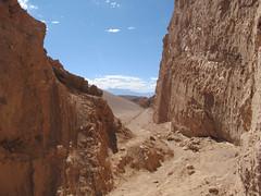 "Le désert d'Atacama: el Valle de la Luna. En redescendant de la Duna Mayor. <a style=""margin-left:10px; font-size:0.8em;"" href=""http://www.flickr.com/photos/127723101@N04/29150636491/"" target=""_blank"">@flickr</a>"