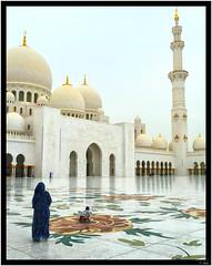 Mere et enfant Mosquee Cheikh Zayed (keltia17) Tags: mosque emirates arab voile uae sheikh zayed islam eau hijab abu dhabi niqab burqa burka muslim musulmane