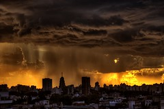 Lluvias de otoo - Autumn rains (celta4) Tags: city storm argentina rain backlight night clouds buildings contraluz lluvia edificios buenosaires day ciudad nubes hdr bestevercompetitiongroup besteverexcellencegallery