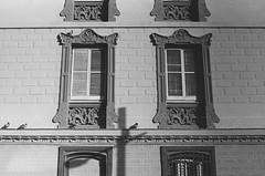 Pentax K1000. 400 film. (Mario Martin-Alciati) Tags: barcelona life street old city winter light party summer blackandwhite bw white detail bird art fall film window girl beautiful architecture night vintage wow landscape fun outdoors happy 50mm spring cool interesting intense healthy spain europe pattern shadows dof natural pentax k1000 sweet unique pigeon rad structures naturallight shades noflash depthoffield nighttime balck enjoy shutter popular fitness depth bam timeless exciting desing nofilter noeffects greatcapture facia