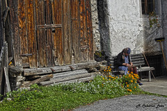 Vecchia (MCULEBRASLEON) Tags: old woman pueblo vieja anciana dolomiti vecchia vejez dolomitas