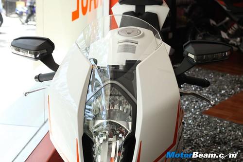 KTM-RC8R-India-03