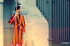 Swiss Guard. (#odie.the.thiiird) Tags: italy vatican rome roma canon photography eos italia fotografie photographie swiss guard ciao pinoy eternal fotografa cuty banzon fotoraflk    tumblr instagram odieson  odiethethiiird