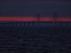 Red & Blues (brandsvig) Tags: bridge sunset lumix skne sweden may sverige bro malm solnedgng resund resundsbron klagshamn 2013 tz20