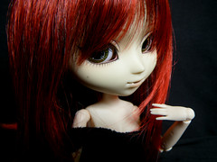 Misaki ~ (Kaly-The-Rainbow) Tags: red black sexy rouge outfit rojo eyelashes wig l cancan pullip custom moreno custo morena claires roja noire coolcat misaki sbh obitsu grell jseries 27cm customise