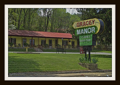 GRACEY MANOR (NC Cigany) Tags: