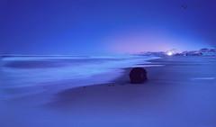 -  b l u e n i g h t - (il velo della sera) (swaily  Claudio Parente) Tags: nikon mare abruzzo notturno marea d300 silvimarina tempilunghi nikond300 swaily