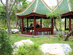Gardens and picnic area in 2009 in The Ancient City in 2009, Muang Boran, Samut Prakan, Thailand. (samurai2565) Tags: samutprakan samutprakanprovince thailand ancientsiam ancientcity muangboran sukhumvitroad bangkok lekviriyaphant bangpu
