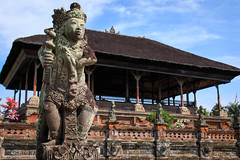 Kertha Gosa (Pei Chen Lu) Tags: bali kerthagosa klungkung architecture statue pavilion      travel
