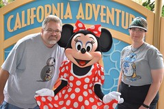 """Tracey and Scott with Minnie Mouse • <a style=""""font-size:0.8em;"""" href=""""http://www.flickr.com/photos/28558260@N04/29197595296/"""" target=""""_blank"""">View on Flickr</a>"""