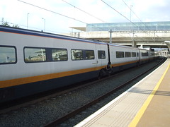 Eurostar Train 9I41 has arrived at Ebbsfleet Intl to set down some passengers. (DesiroDan) Tags: highspeed1 eurostar eurostarclass373 class373eurostar tgvtmst uktrains ukelectricunits highspeedtrainsintheuk britishrailclass373