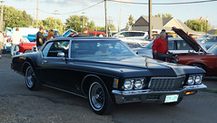 1972 Buick Riviera (Crown Star Images) Tags: car carshow cars automobile auto automobiles automotive hastings classiccars classic cruisenight
