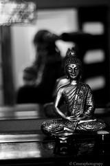 autoretrato 3 (Cmura) Tags: autoretrato black white buda budha buddha buddhist piano blackandwhite interior bajaluz