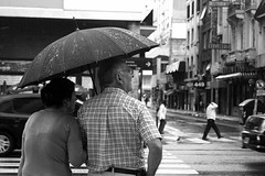 Waiting for the semaphore (Nicolas Alejandro Street Photography) Tags: argentina lluvia buenosaires pareja marriage raining matrimonio