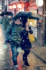 Chivalry is Not Dead (Explored) (Jake Jung) Tags: snow japan japanese kyoto couple sony streetphotography  getty editorial    gettyimages pontocho flickrvision  chivalry  apsc nex7 japanoramamagazine sel50f18 e50mmf18oss jakejung