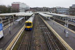 Richmond Station, TW9 (Tetramesh) Tags: uk greatbritain england london unitedkingdom britain londres gb londra britishrail londen londinium lontoo llondon tfl nationalrail londone silverlink londyn llundain londýn networkrail лондон northlondonline networksoutheast londain londono northlondonrailway silverlinkmetro londonsouthwesternrailway tetramesh londonoverground londrez λονδίνο loundres londonovergroundrailoperationsltd londër lùndra лондан londonovergroundrailoperations northsouthwesternjunctionrailway
