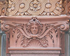 Hidden Lady, Hudson's Bay Queen Street (Simpson's) (grecomic) Tags: sculpture toronto architecture downtown stonework simpsons departmentstore yongestreet hbc thebay stonecarvings brownstone hudsonsbaycompany beauxarts yongest