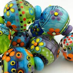 SET : WONDERLAND (Pikalda and Verada) Tags: set beads colorful ebay european bright pair earring vivid dot line troll etsy pandora pendant glassbeads biagi focal handmadelampwork lampworksra beadssra charmbeads