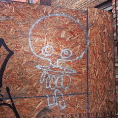 ufo (taste-maker) Tags: nyc face graffiti flying object character tag tags ufo outline outlines unidentified handstyles handstyle throwie