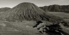 Bring Me To Life (Anna Kwa) Tags: nature indonesia volcanos eastjava bringmetolife wakemeupinside bromotenggersemerunationalpark mountbatok tenggersandsea lautpasirtengger annakwa