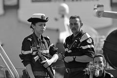 Pas l'air commode le monsieur (maxguitare1) Tags: nikon military marin militar sailor militaire marinero militare marinaio matelot nikond90
