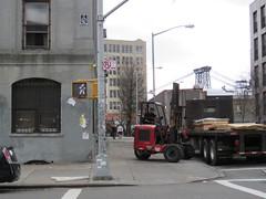 Space Invader NY_185 (tofz4u) Tags: newyork ny nyc usa tatsunis unitedstatesofamerica streetart artderue invader spaceinvader spaceinvaders mosaque mosaic tile ny185 revs cost