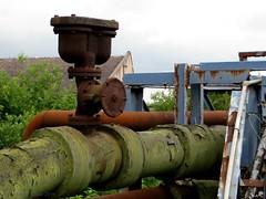 INDUSTRIE || INDUSTRY (Anne-Miek Bibbe) Tags: engeland england vakantie uk canonpowershotsx280hs annemiekbibbe bibbe 2016 pijpleiding pipeline