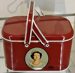 Coronation souvenir lunchbox (Will S.) Tags: mypics museum archives peelcountyjail brampton ontario canada oldbuildings oldarchitecture peelcounty heritage history peelregion coronation souvenir qeii qe2 queenelizabethii queenelizabeth hermajesty thequeen