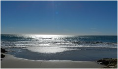 pau (embolic) Tags: reflexes platges sitges catalunya