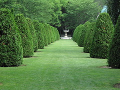 The Elms Garden (ty law) Tags: newportri cottages vanderbilt thebreakers cliffwalk salveregina marblehouse rosecliff theelms servanttour bathroom gildedage robberbaron captainofindustry edwardian american grand grandiose flowers atlanticocean rhodeisland copper