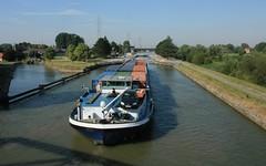 Intermodal (jptaverne) Tags: canal cluse barge pniche batellerie voiedeau fluvial