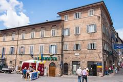 Urbino - Via Giuseppe Mazzini (Le Monde1) Tags: urbino italy unesco worldheritagesite lemonde1 nikon d610 city ducalpalace raffaellosanzio federicodamontefeltro 2nddukeofurbino giovannipascoli viagiuseppemazzini