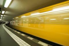 Swooosh (michel1276) Tags: underground ubahn berlin potsdamerplatz verkehr traffic gelb yellow bahnsteig station