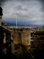 Stirling Castle, Scotland (creditflats) Tags: stirling castle uk fort fortress rampart tower flag pole unionjack stone cloud cloudy clouds scotland old historic olympus ep5 pen mzuiko primelens