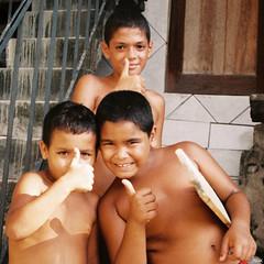 Thumbs up Up UP (_Spoutnik) Tags: brazil rio brasil riodejaneiro favela brsil santoamaro pedroamerico