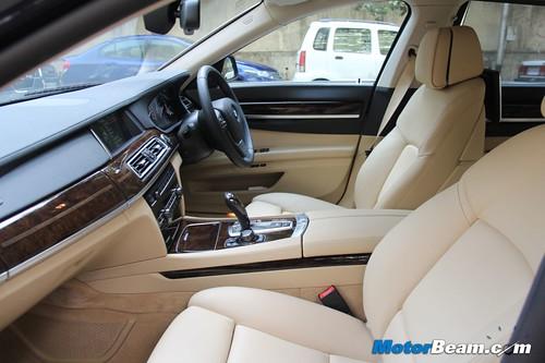 2013-BMW-7-Series-14
