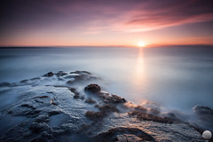 Hvaleyrin (Gujn Ott) Tags: sunset sea sky cloud reflection beach nature water landscape sand waves gravel sjr nttra vatn sk himinn fjara sandur speglun landslag slsetur ldur ml hvaleyrin