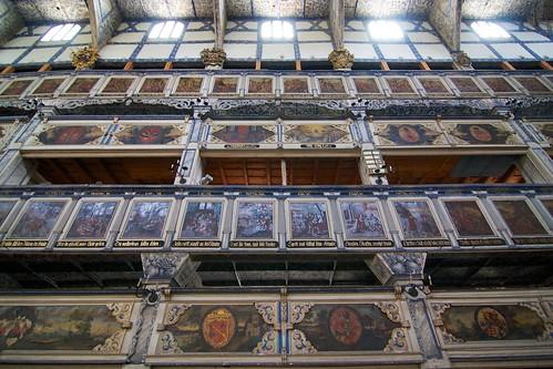 Empory w południowej ścianie Kościoła Pokoju w Jaworze